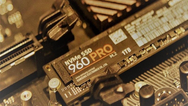 فرم فکتور M.2 با اینترفیس SATA یا PCIe