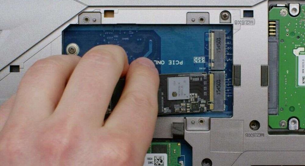 نحوه نصب یک هارد NVMe™ PCIe® M.2 SSD