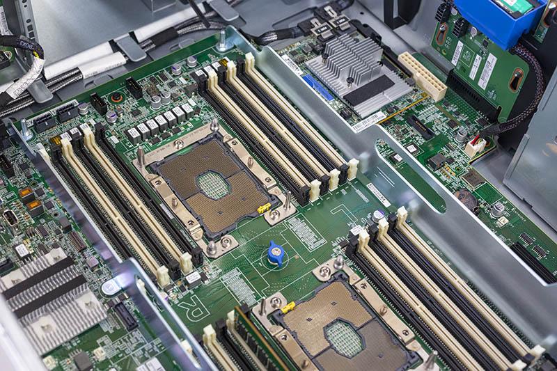 مروری بر سرور اچ پی مدل HPE ProLiant ML350 Gen10